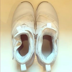 Men's Nike hightop basketball shoes